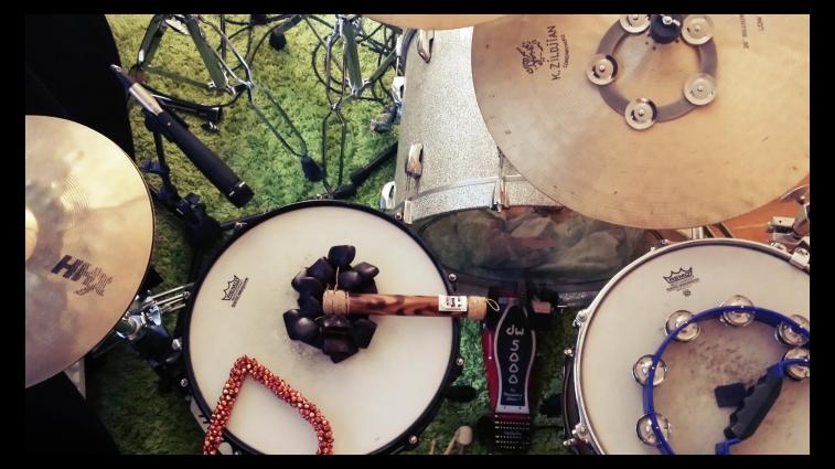 """""""drumtape b"""" recording kit and setup"""